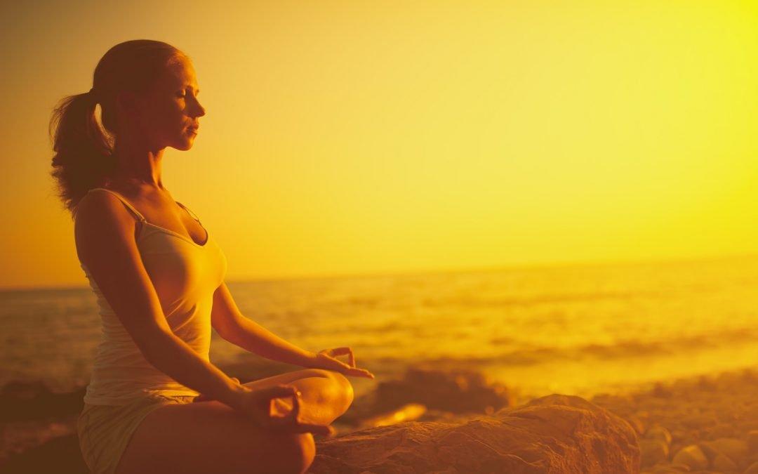 Richtig Sitzen beim Meditieren: Entspannen durch Leichtigkeit und Stabilität